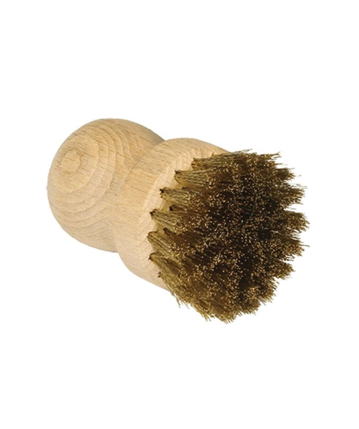 This beechwood BBQ brush is an essential cleaning tool for all types of BBQ grills. | huntingforgeorge.com