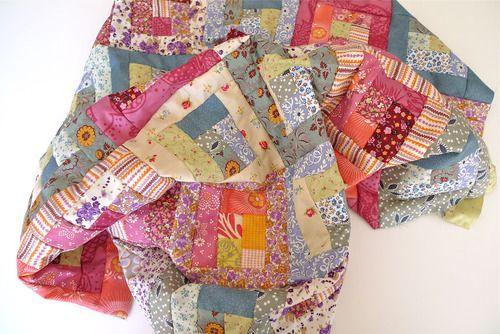 Petitevanou love the colors: Design Inspiration, Quilts Inspiration, Patchwork Quilts, Quilts 6, Cabins Quilts, Cozy Quilts, Bedrooms Inspiration, Crafts Sewing, Colour Combos