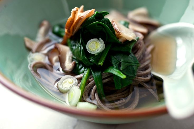 Soba Noodles in Broth With Spinach and Shiitakes - Recipes For Health - NYTimes.com
