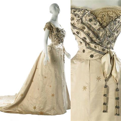 Love the stars on this dress, by the House of Worth, ca. 1905. #historical fashion Source: https://www.facebook.com/thecorsetedbeauty/?fref=nf
