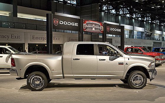 dodge ram 3500 maxx cab but a dually to haul. Black Bedroom Furniture Sets. Home Design Ideas