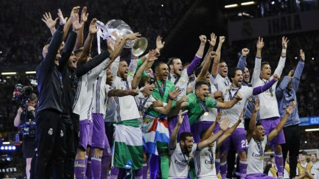 Disfruta de la crónica y de los mejores vídeos e imágenes del partido Juventus vs R. Madrid de Champions League en MARCA.com