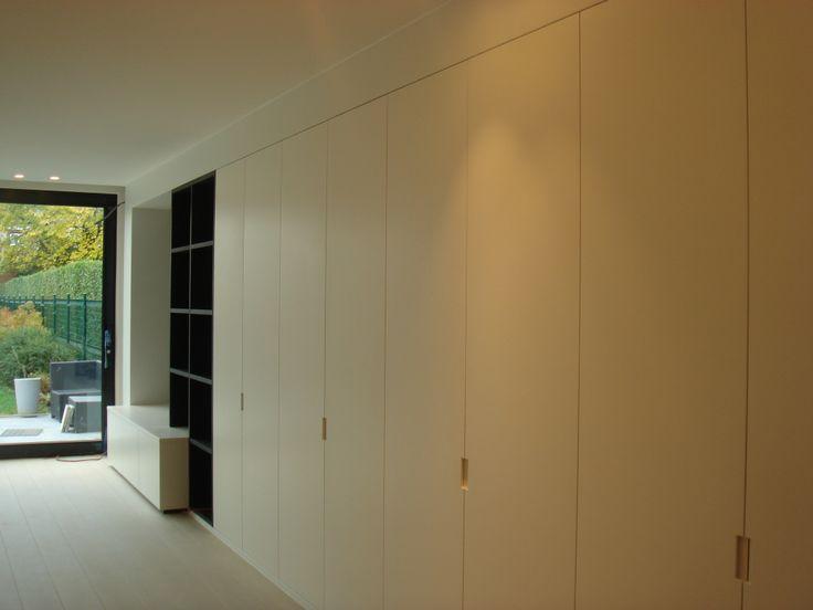 inrichting leefruimte tv wand eik fineer donker gekleurd. Black Bedroom Furniture Sets. Home Design Ideas