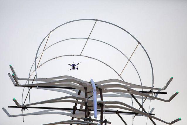 Un puști de 15 ani câștigă o avere cu o dronă .   Ne plac dronele, și cu cât au mai multe funcții și sunt mai ușor de controlat, cu atât ne entuziasmăm mai tare atunci când avem ocazia să... http://www.gadget-review.ro/campionat-drone/