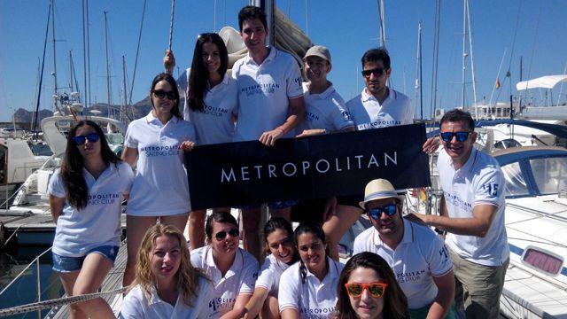Socios sde Metropolitan Abascal en un curso de Iniciación a la Vela