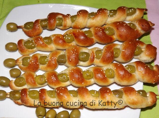 La buona cucina di Katty: Spiedini di pizza e olive