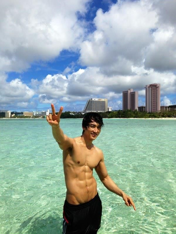 A beautiful perfection!   (Uploaded by Song Seung Heon on his Facebook fan page)