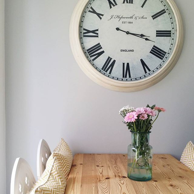 Laura used Goose Down to create a simple, yet beautiful dining space.