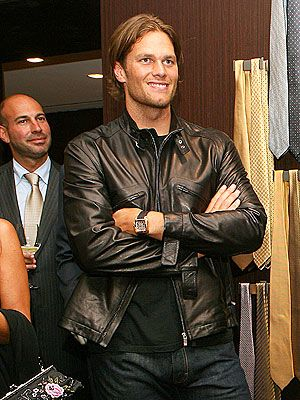 Oh Tom Brady, I really like you... and I think you have the best voice ever. and i love your hair.