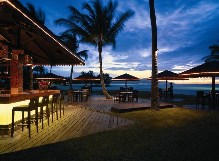 Sampan Bar  Shangri-La's Rasa Ria Resort, Kota Kinabalu