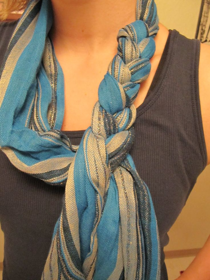 Krissa's Creative Hands: Braid a Scarf...did this today! So cute!