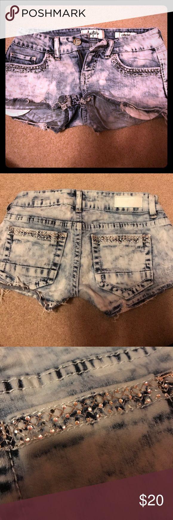 Daytrip Capricorn Acid Wash Shorts 💙 size 25. 99% cotton, 1% spandex Daytrip Shorts Jean Shorts