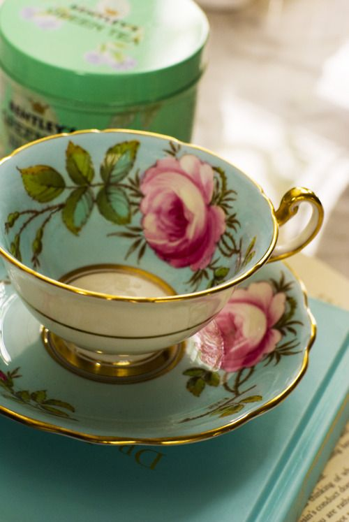 I think my magnificent wife would life the color scheme and design of this tea cup!