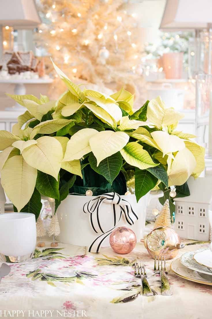 Table Ideas For Christmas Decorating Christmas Staircase Decor Christmas Decorations Dinner Party Decorations