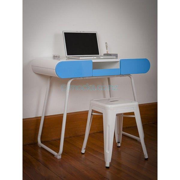 Nice desk for Zeph's room