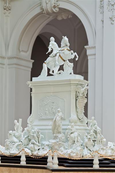 Statue König August III. von Polen, Kurfürst von Sachsen von Johann Joachim Kändler, Meißner Porzellan, 1753.