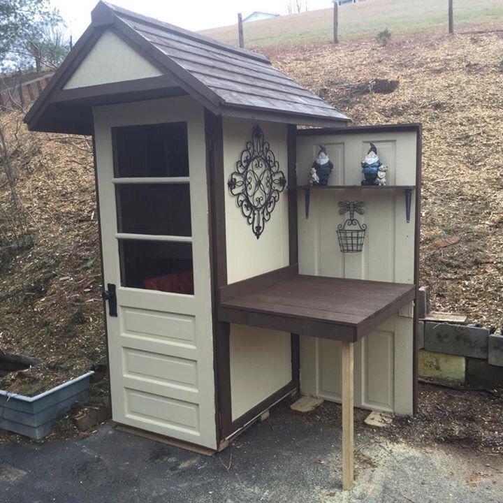 25 best ideas about potting station on pinterest garden for Mini potting shed