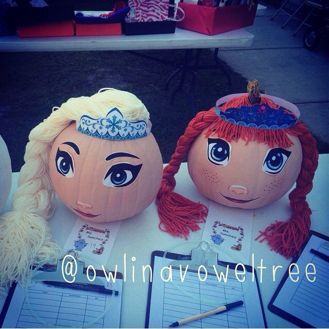 Anna and Elsa frozen pumpkin heads Halloween.