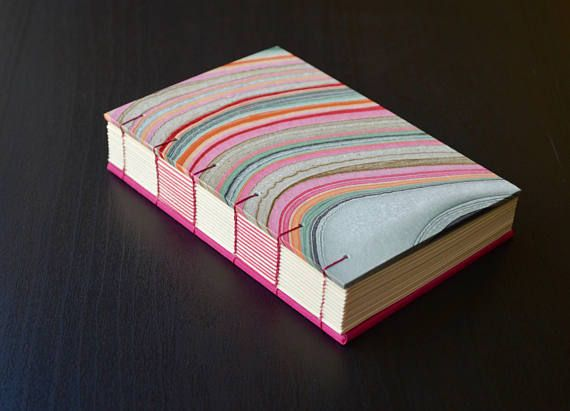 Maravillosa libreta hecha a mano con costura copta combinada