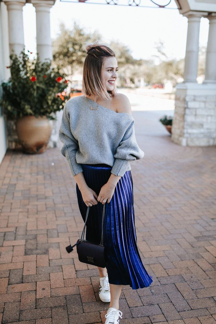 pleated skirt and trainers