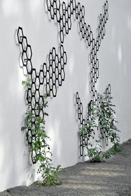 Mooi klimrek in de vorm van een honingraad van House of Green. #garden