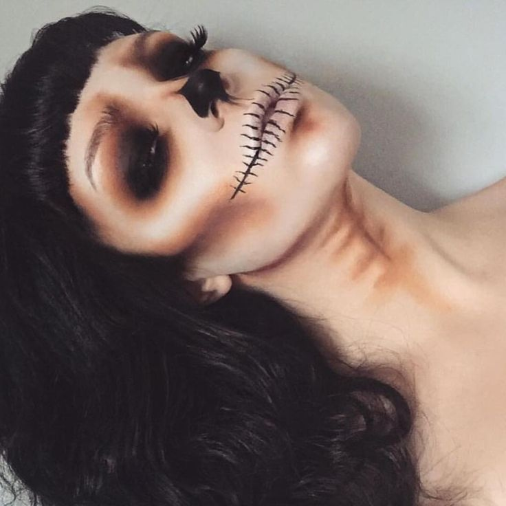 """4,650 curtidas, 39 comentários - Victoria (@vickym0n) no Instagram: """"REPOST 💀 Cannot thank everyone enough for all the love for my skull look, all the recreations, all…"""""""