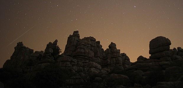 Chuva de meteoros foi vista em reserva no sul da Espanha nesta madrugada (Foto: Jon Nazca/Reuters)