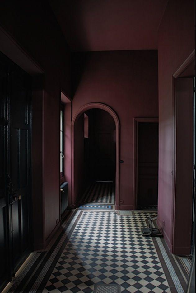 22 Hauntingly Dark Interiors Inspired By Halloween (18)