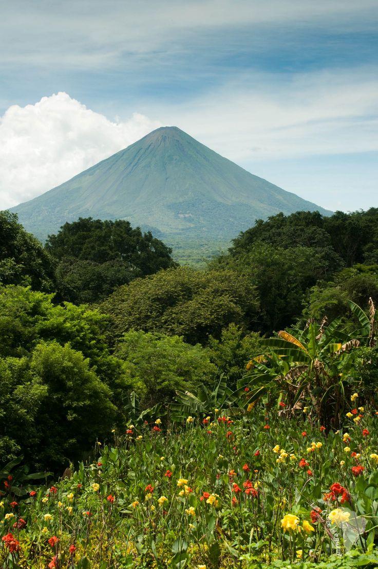 Volcan sur l'île d'Ometepe