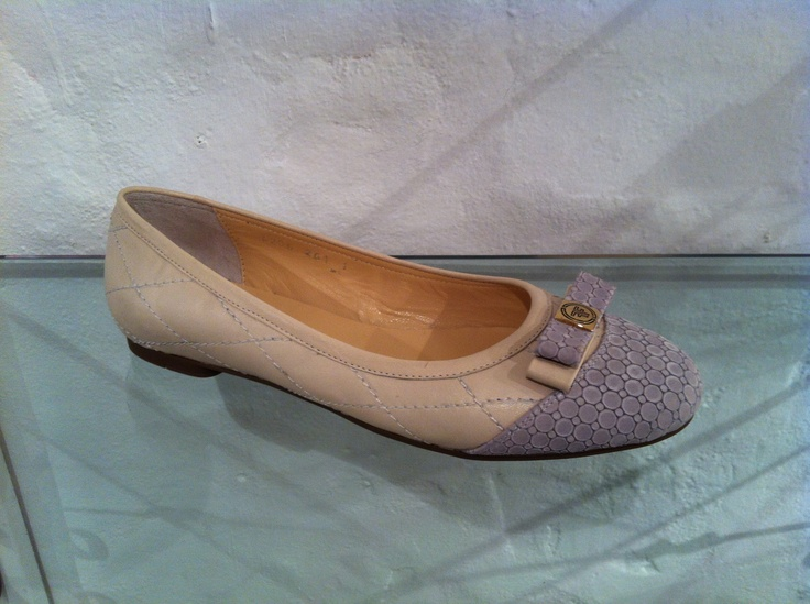Nude pumps by Francesca.