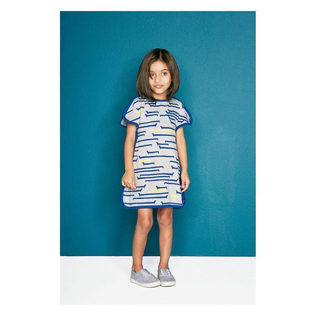 Pretty Prisha in the #dogprint #split-sleevedress with navy bind. This unique dress is both structural and casual, easy to dress & easy to wear. Available in sizes 1-10y #onlinenow #baobab_ss16 #instorenow #greymelange #stylishkids