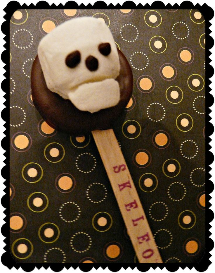 Skeleos ~ Chocolate Dipped Skeleton Oreos (on a stick!)-  *Rook No. 17: recipes, crafts & whimsies for spreading joy*: Skeleos ~ Chocolate Dipped Skeleton Oreos (on a stick!)