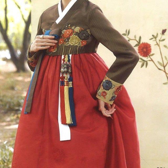 #한복 #한복스토리 #뉴욕 #뉴저지 #퓨전한복 #전통한복 #한국 #결혼 #돌잔치 #파티 #korea #newyork #hanbokstory #couple #pink #red #flushing #newyork #newjersey #hanbok #wedding #party >>www.hanboknyc.com<< >>917-482-4463<< >>www.facebook.com/hanbokstory<<