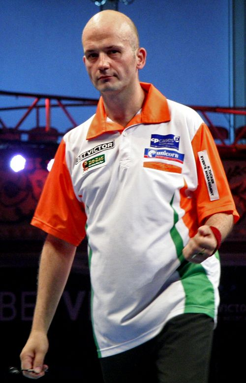 Jamie Caven begins his comeback against Wes Newton in the last 32