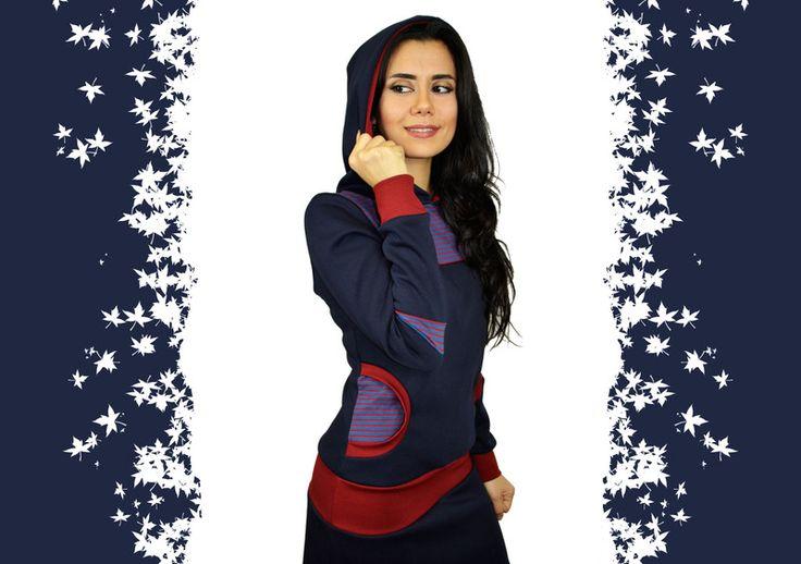 Kapuzenkleider - Kapuzenkleid dunkelblau rot Streifen - ein Designerstück von JAQUEEN-handmade-streetwear-berlin bei DaWanda