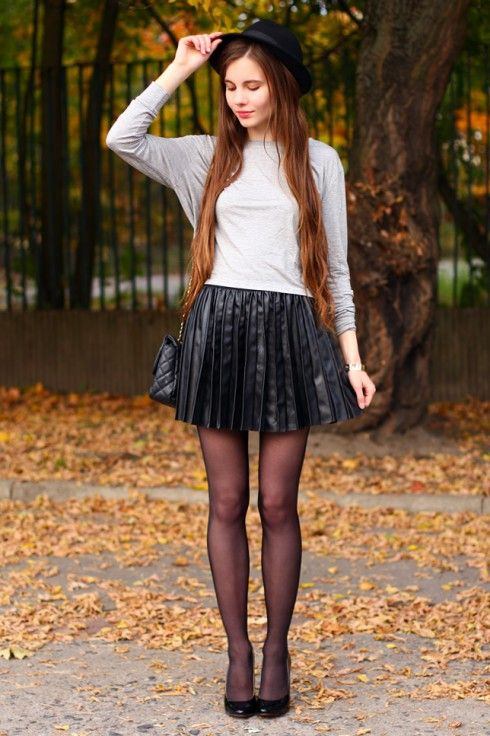 Very short skirts and pantyhose