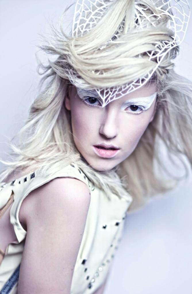 Makeup photoshoot fotoringar smink elf white makeup