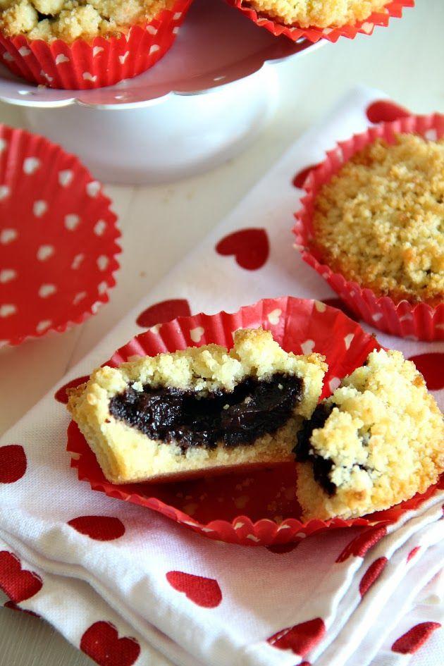 Chiarapassion: Sbriciolata con nutella e Cake topper a cuore