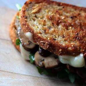 Butter Sauteed Mushrooms and Swiss Grilled Cheese with Arugula {recipe}