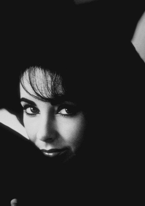 Elizabeth Taylor - what a stunning woman