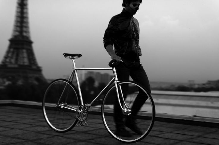 H-003 by Heritage-Paris Photo: C-reel #bicycle #frame #heritageparis #bespoke #photography #fixedgear #fixie #pignonfixe #luxe #luxury #H003 #chrome #ghostriders #creel #madeinfrance #handmade #unique #handcrafted