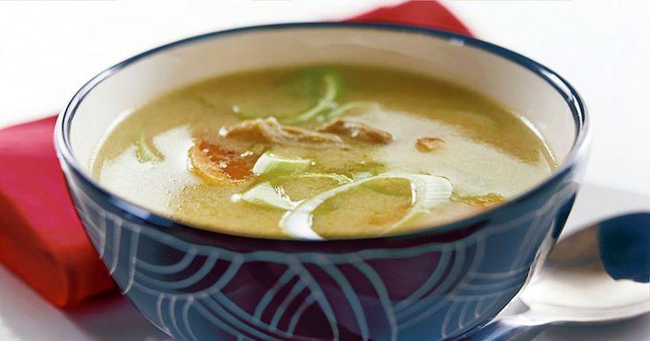 TOM KHA GAI - Kyckling, som heter gai på thailändska, blir här till en supergod soppa med smak av kokosmjölk, ingefära och lime.