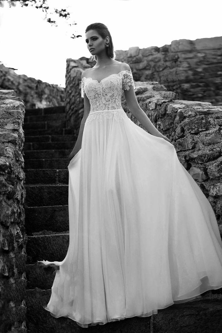 Νυφικα 2018#ρομαντικα νυφικα#νυφικα με εντυπωσιακη πλατη#γοργονε νυφικα#νυφικα με δαντέλα#νυφικα αερινα#νυφικα σε ίσια γραμμή#crop top νυφικα#www.istoriesgamou.gr