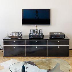 die besten 25 usm haller lowboard ideen auf pinterest usm haller sideboard usm haller und tv. Black Bedroom Furniture Sets. Home Design Ideas
