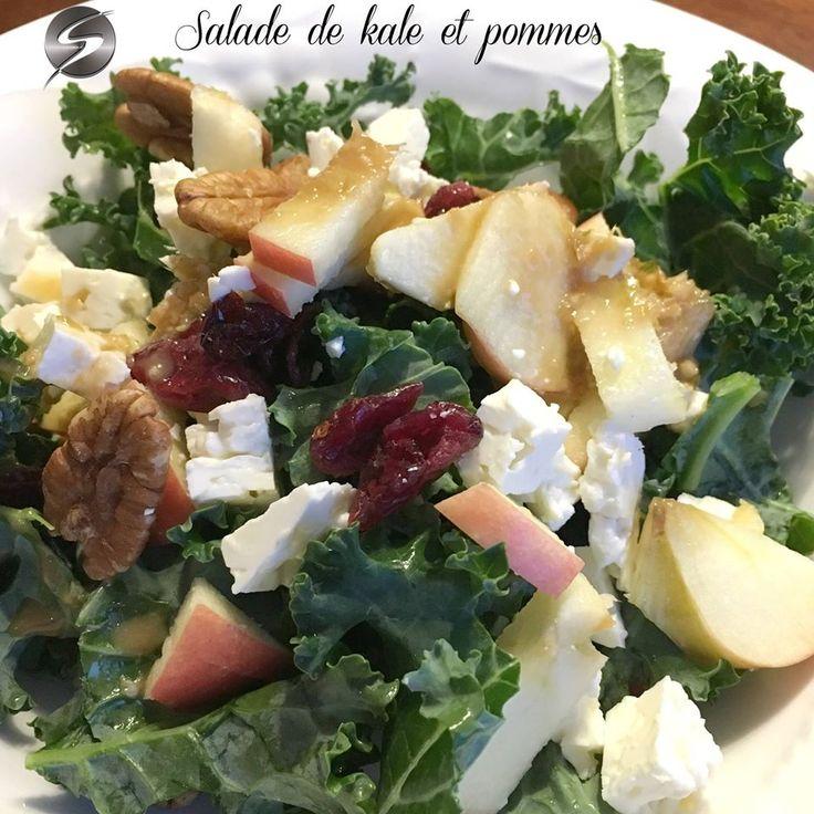 Salade de kale, avec pommes, pacanes, canneberges et feta. Vinaigrette au gingembre et au sésame. Plusieurs variantes possibles.