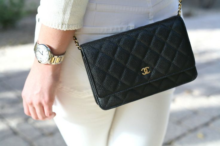 Chanel Väskor Vintage : Chanel woc classic wallet on a chain caviar leather