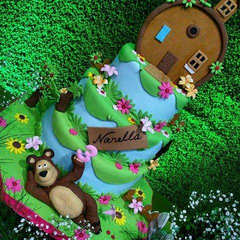 #masha y el oso hermoso y exclusivo  bambino eventos decoración @yanellaortega Cup cake @cannolipostre Etiquetas y toppers @ideascreativaschic  Salón de fiesta @bambinoeventos  #exclusivo #Original #diferencia estamos en la avn 14a entré calle 71y72 #viajamos a cualquier lugar de Venezuela o el extranjero tlf 02617977430 04146238825 04246952185