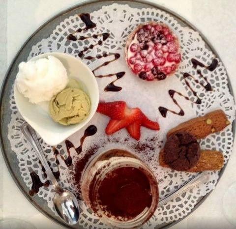 Ristorante #Angelina a #Trevi vi offre bolle di autentico #relax a due passi dalla #fontana più bella del mondo (prenotazioni al +39 066797274).  #eat #delicious #dinner #breakfast #lunch #sharefood #homemade #love #dessert #sweet #italiancuisine #style