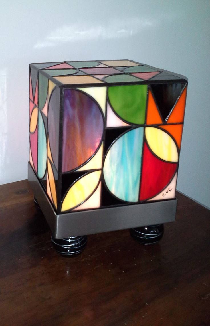 """""""THE Kube Seventies"""" Stained Glass Tiffany Lamp grounds 70"""