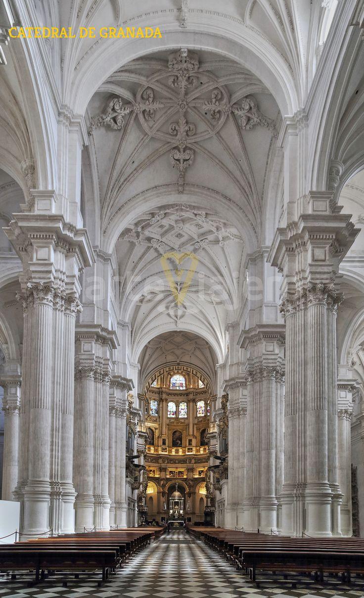 Catedral de #Granada Vista de la nave central http://arteviajero.com/